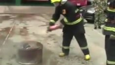 Küçük yangınlar için yangın söndürücü kola kullanabilir.  pratik çözüm     For small fire,can use fire extinguisher cola. it is practiced solution